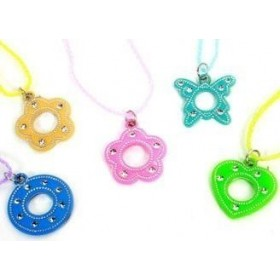 12 colliers pendentifs