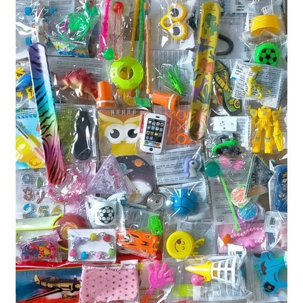 Lot 60 jouets pas chers